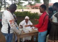 SAĞLIK TARAMASI - TİKA'dan Kamerun'da Gençlere Sağlık Taraması Ve Eğitim