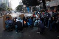 HÜKÜMET KARŞITI - Venezuela'da Hükümet Karşıtı Protestolar 50. Gününde
