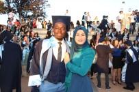 Afrikalı Mohammed Hem Diplomasına Hem De Sevdiğine Kavuştu