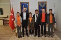 MUSTAFA ÖZSOY - Bilgi Ve Kültür Yarışması Birincileri Başkan Ayaz'ı Ziyaret Etti