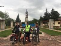 TARİHİ SAAT KULESİ - Bisikletleriyle Balayına Çıkan Yabancı Çift Bilecik'te Mola Verdi