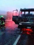 TOSUNLAR - Denizli'de, Yabancı Plakalı Bir Araçta Yangın Çıktı
