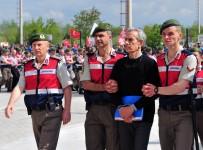 AĞIRLAŞTIRILMIŞ MÜEBBET HAPİS - Genelkurmay Çatı Davasında Darbeciler Salona Alındı
