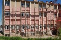 YÜRÜYÜŞ YOLU - Güroymak Devlet Hastanesi Yenilendi
