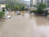 YÜZME YARIŞI - İzmir'de bu kez de yağmur çilesi