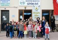 BOZÜYÜK BELEDİYESİ - Miniklerden Bozüyük Belediyesi Giyim Evi'ni Kıyafet Bağışı
