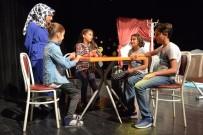 YILDIRIM BELEDİYESİ - Müzik Akademisi Kursiyerlerinin Tiyatro Heyecanı