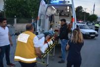 MESUT YILMAZ - Ortaca'da Otomobille Motosiklet Çapıştı; 2 Yaralı