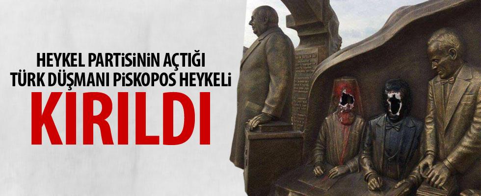 Türk düşmanı başpiskopos heykeli kırıldı