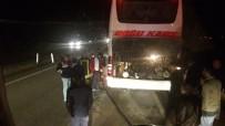 YANGINA MÜDAHALE - Yolcu Dolu Otobüste Yangın Paniği