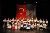 'Adam Olacak Çocuk' Adlı Tiyatro Oyunu Sahnelendi
