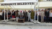 Burhaniye'de Sergide Yetişkinlerin Oyunu Büyük Alkış Aldı