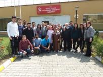 FEN BILIMLERI - Çağrı Merkezi Hizmetleri Bölümü Öğrencileri Yaşlıları Ziyaret Etti