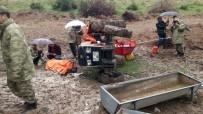 Çemişgezek'te Traktör  Devrildi Açıklaması 1 Ölü, 1 Yaralı