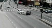 TİCARİ ARAÇ - Feci Kazalar Kamerada