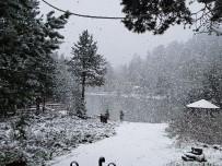 HAVA SICAKLIĞI - Gümüşhane'de Kar Sürprizi