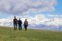 KAR ÖRTÜSÜ - Gümüşhaneli Dağcılardan Bulutların Üzerinde Yürüyüş