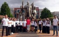 İŞİTME ENGELLİLER - İşitme Engelliler İçin İşaret Diliyle İstiklal Marşı Okudular