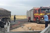 Mardin'de İki Tır Çarpıştı Açıklaması 2 Yaralı