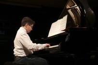 KÜÇÜKÇEKMECE BELEDİYESİ - Piyano Kursiyerlerinden Yıl Sonu Konseri