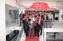 FUTBOL TAKIMI - Şampiyonluk Kupasını Şahiner'e Hediye Ettiler