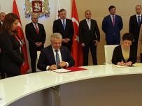 ADALET BAKANI - Ulaştırma Bakanı Arslan, Gürcistan Adalet Bakanı İle İş Birliği Mutabakat Zaptını İmzaladı