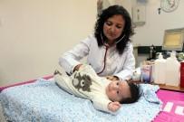 ÇOCUK SAĞLIĞI - Uzmanlardan Gaz Sancısı Olan Bebeklerin Annelerine Uyarılar