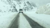 KAR YAĞıŞı - Van'ın Yüksek Kesimlerinde Kar Yağışı