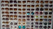 MODELLER - Yeni Model Güneş Gözlükleri Raflardaki Yerini Aldı