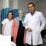 20 DAKİKA - Ağrılarından Ayağa Kalkamayan Kadın Tedavi Olduğu Hastaneden Yürüyerek Ayrıldı