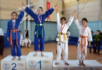 MEHMET ŞAHIN - Bir Turnuvada 14 Madalya