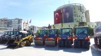 DAMPERLİ KAMYON - Büyükşehir Araç Filosunu 22 Yeni İş Makinesiyle Genişletti
