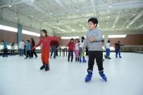 BUZ PATENİ - Çocuklar Buz Pateniyle Tanıştı
