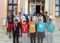 YAĞLI GÜREŞ - Edirne Belediyesi Güreşçileri Başarıdan Başarıya Koşuyor