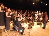 Eskişehir'de ''Sezon Sonu Ve 43. Yıl Sanat Gecesi-2'' Konser Programı Coşkulu Geçti