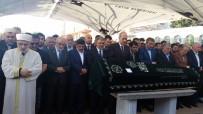 SAADET PARTISI GENEL BAŞKANı - Gazeteci Akif Emre Son Yolculuğuna Uğurlandı