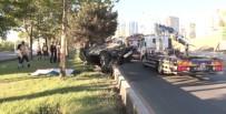 TRAFİK ÖNLEMİ - Hurdaya Dönen Otomobilde Sıkışan Sürücü Hayatını Kaybetti