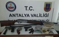 UYUŞTURUCU TİCARETİ - Jandarmadan Ruhsatsız Silah Operasyonu