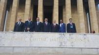 GENÇ GİRİŞİMCİLER - Kuşadası Ticaret Odası Heyeti Anıtkabir'i Ziyaret Etti