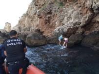 DENİZ POLİSİ - Manzara İzlemek İsterken Falezlerden Düştü