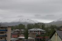 KAR KALINLIĞI - Mayıs Ayında Kar Yağışı