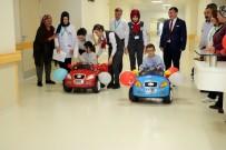 AKÜLÜ ARABA - Minik Hastalar Ameliyata Akülü Arabayla Gidiyor