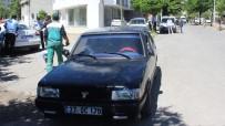 ADıYAMAN ÜNIVERSITESI - Otomobil Yayaya Çarptı