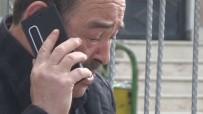 EMEKLİ POLİS - Güvenlik Görevlisi Okul Önünde Bekleyen Genci Vurdu, O Anlar Kameraya Yansıdı...