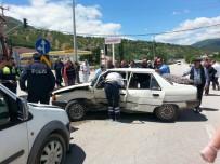 Reşadiye'de Trafik Kazası Açıklaması 1 Yaralı