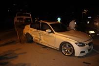 KARAKÖPRÜ - Şanlıurfa'da İki Otomobil Çarpıştı Açıklaması 3 Yaralı