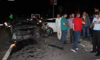 KARAKÖPRÜ - Şanlıurfa'da Zincirleme Trafik Kazası Açıklaması 4 Yaralı