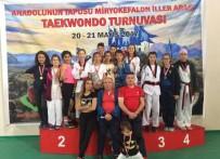 GÜMÜŞ MADALYA - Taekwondo Tunuvasından Madalyalarla Döndüler