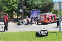 KIRMIZI IŞIK - Yolcu Otobüsü İle Otomobil Çarpıştı Açıklaması 1 Yaralı