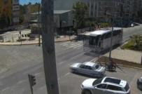 YOLCU OTOBÜSÜ - Yolcu Otobüsü Otomobile Böyle Çarptı